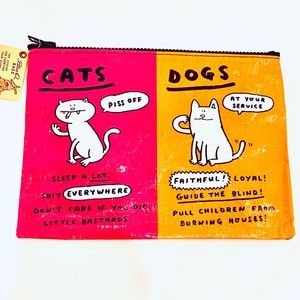 Blue Q | Cats and dogs Zipper Pouch